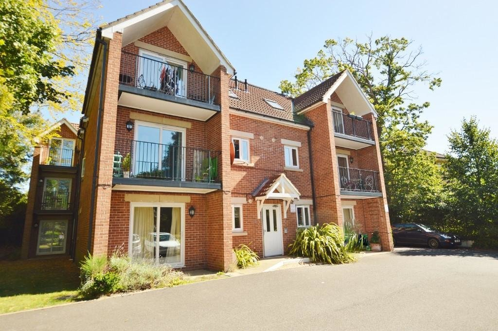 Best 2 Bedroom Flat To Rent In Wellington Road Bournemouth With Pictures