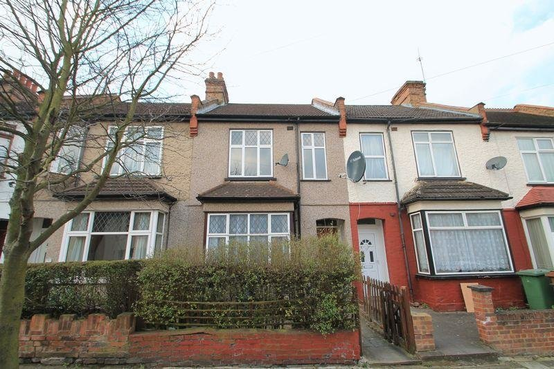 Best 3 Bedroom Terraced House For Sale In Rosslyn Crescent With Pictures