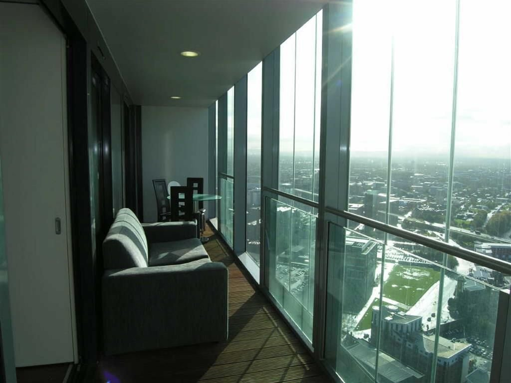 Best 2 Bedroom Apartment To Rent In Beetham Tower Manchester With Pictures