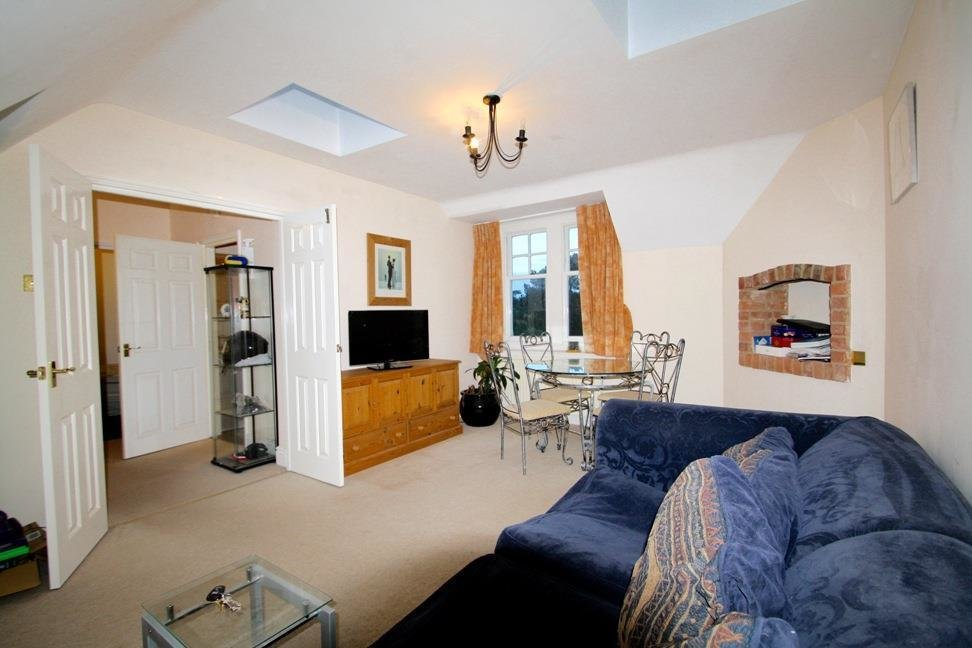 Best 1 Bedroom Flat To Rent In Bucklebury Place Upper Woolhampton Reading Rg7 With Pictures