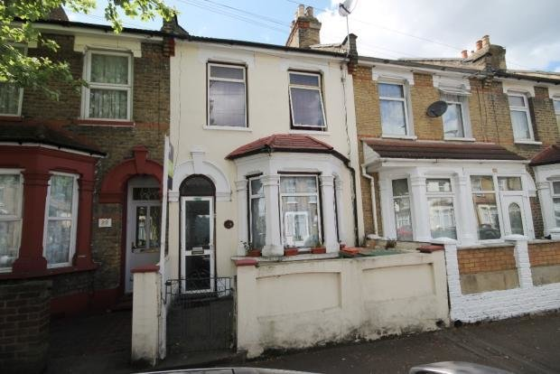 Best 3 Bedroom Terraced House For Sale In Altmore Avenue East Ham London E6 With Pictures