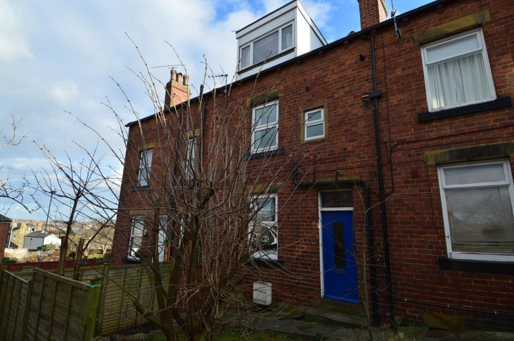 Best 2 Bedroom House To Rent In Alfred Street Churwell Leeds West Yorkshire Ls27 With Pictures