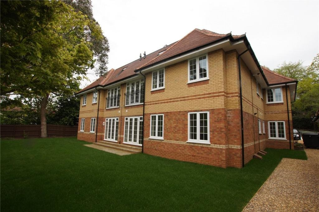 Best 2 Bedroom Apartment To Rent In Brackendale Court 116 With Pictures