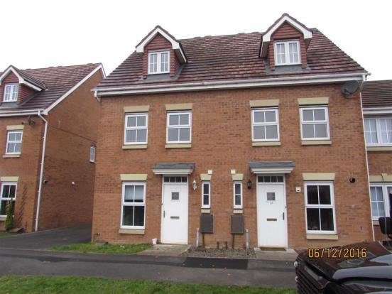 Best 3 Bedroom Town House For Sale In Chestnut Drive With Pictures