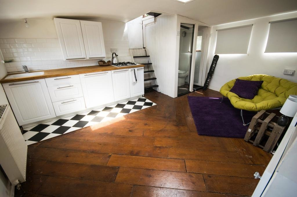 Best 3 Bedroom House Boat For Sale In Janny Oyster Pier Sw11 With Pictures