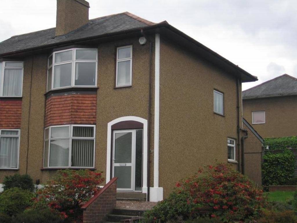 Best 3 Bedroom End Of Terrace House To Rent In Hillview Drive With Pictures