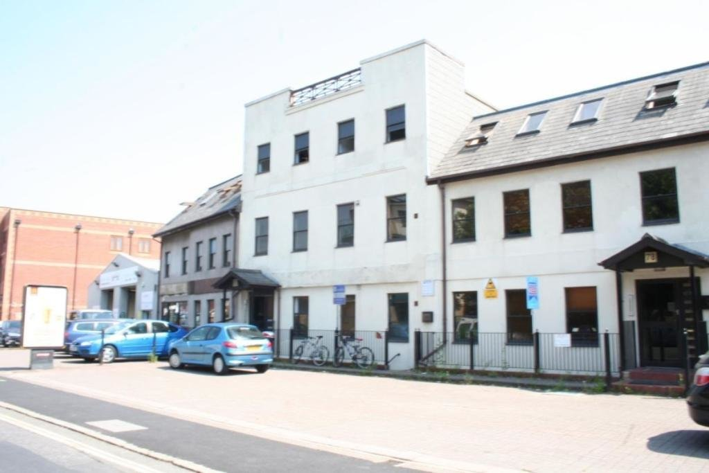 Best 2 Bedroom Flat To Rent In Portswood Road Southampton With Pictures