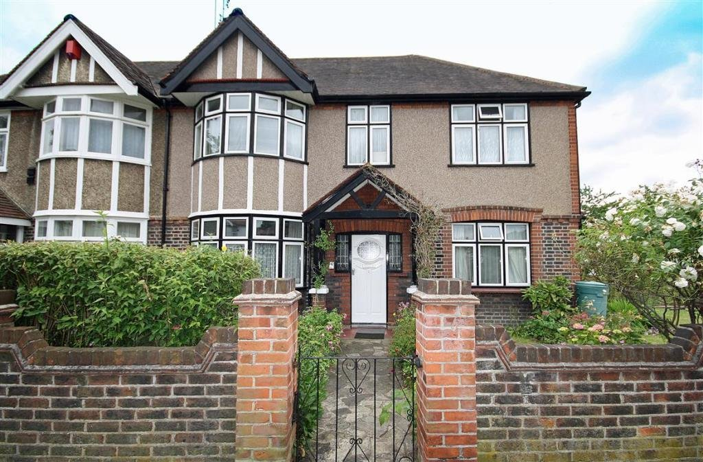 Best 3 Bedroom House For Sale In Spring Grove Road Isleworth Tw7 With Pictures