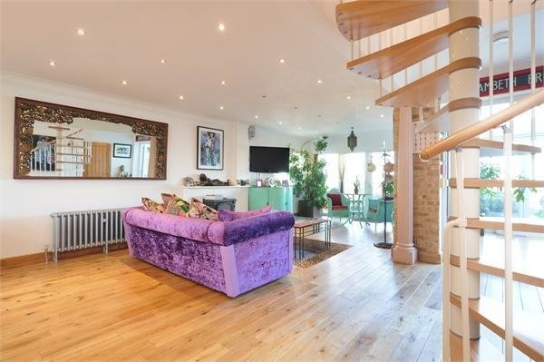 Best 3 Bedroom Detached House For Sale In Preston Parade With Pictures