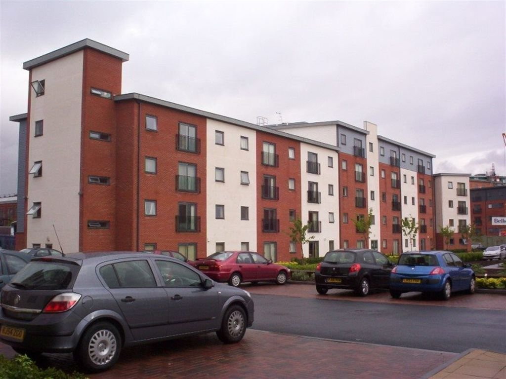 Best 2 Bedroom Flat To Rent In Slater House Salford Manchester M5 With Pictures