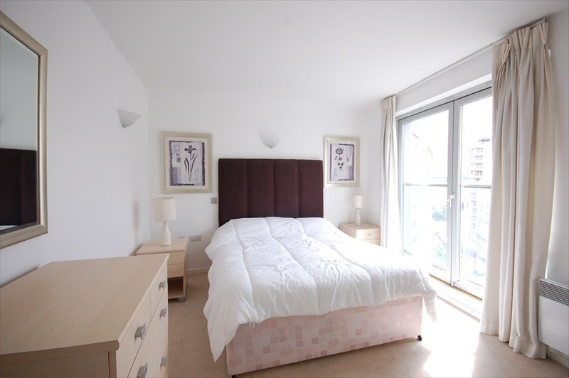 Best 1 Bedroom Flat To Rent In Michigan Building London E14 2 With Pictures