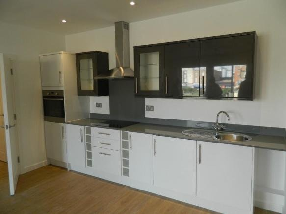 Best 2 Bedroom Apartment To Rent In Nova House Slough With Pictures