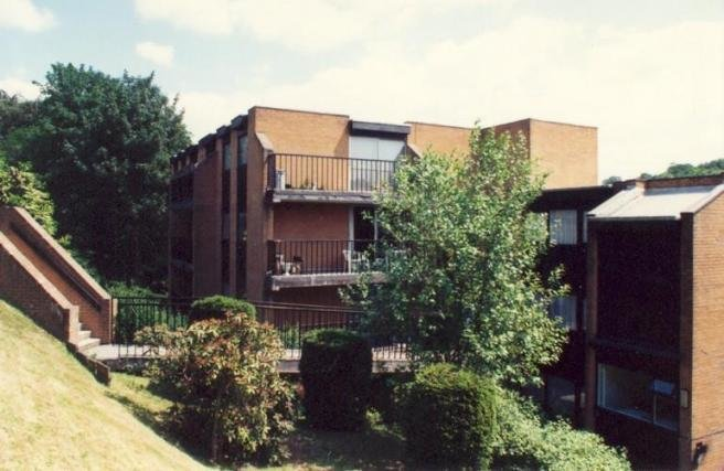 Best 2 Bedroom Apartment To Rent In Oakbrook Court Graham Road With Pictures