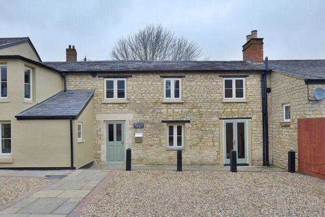 Best 2 Bedroom Terraced House To Rent In The Stocks Cosgrove With Pictures