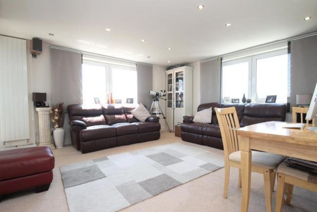 Best 2 Bedroom Flat For Sale In Manor Lea Worthing West With Pictures