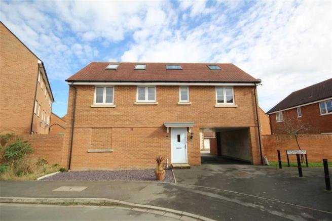 Best 2 Bedroom Detached House For Sale In Henchard Crescent With Pictures