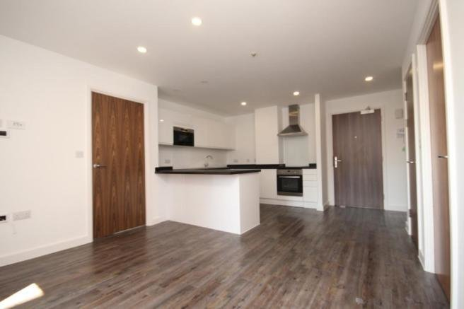 Best 2 Bedroom Apartment To Rent In Trafford House Cherrydown With Pictures