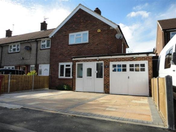 Best 2 Bedroom End Of Terrace House For Sale In Knolton Way With Pictures