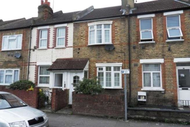 Best 3 Bedroom House To Rent In Myrtle Road Hounslow Central With Pictures