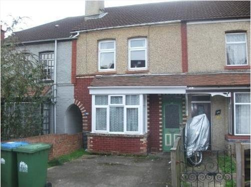 Best 2 Bedroom Terraced House To Rent In Broadlands Road With Pictures