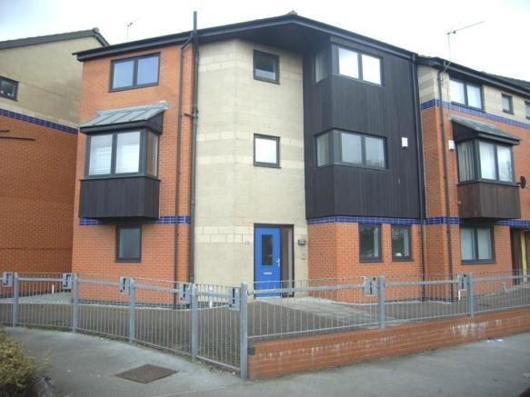 Best 4 Bedroom End Of Terrace House To Rent In Sculcoates Lane With Pictures