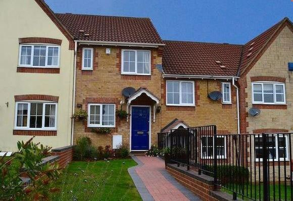Best 2 Bedrooms House For Rent In London City By Propertysearch With Pictures