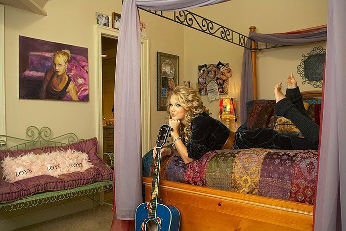 Best Taylor In Her Old Room Rare Taylor Swift With Pictures