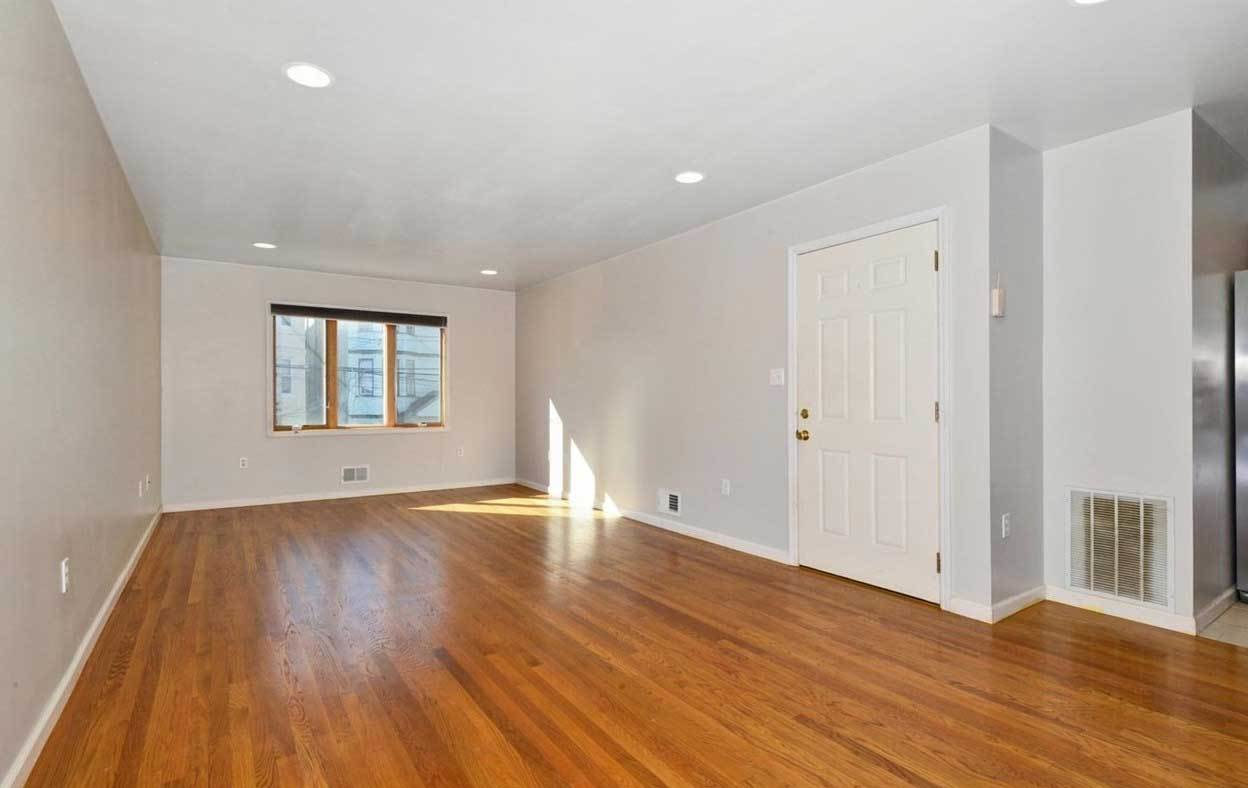 Best Large 3 Bedroom Rental Available At 76 Clarke Ave Jersey With Pictures