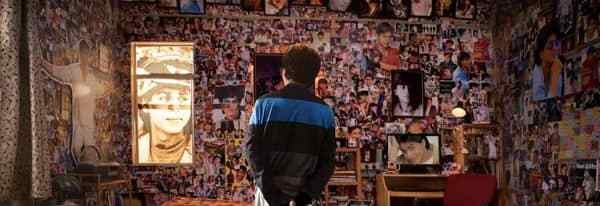 Best Spot The 8 Things Shah Rukh Khan S Biggest Fan Gaurav Is With Pictures
