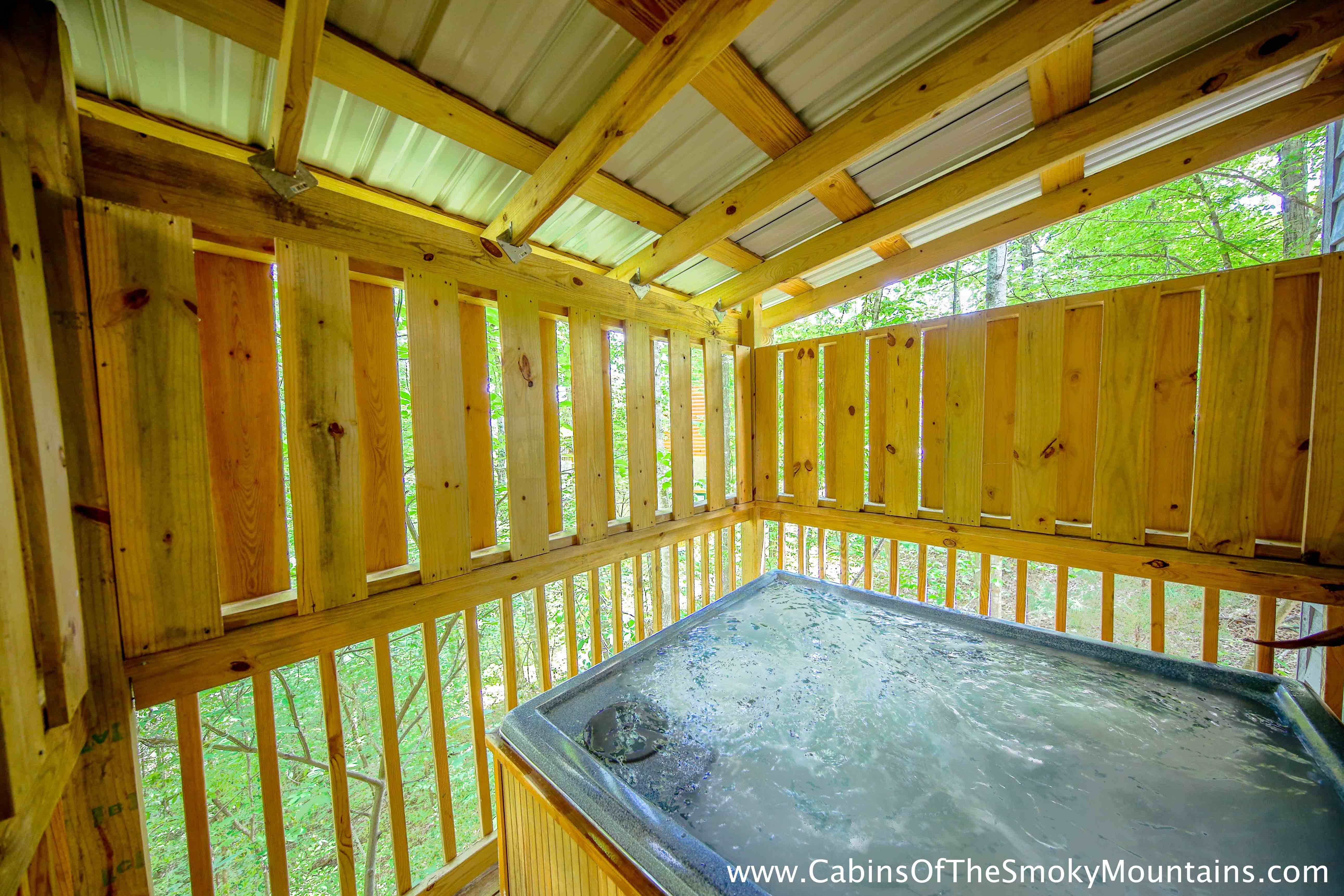 Best Pigeon Forge Cabin Moonshine Kisses 1 Bedroom Sleeps 2 With Pictures