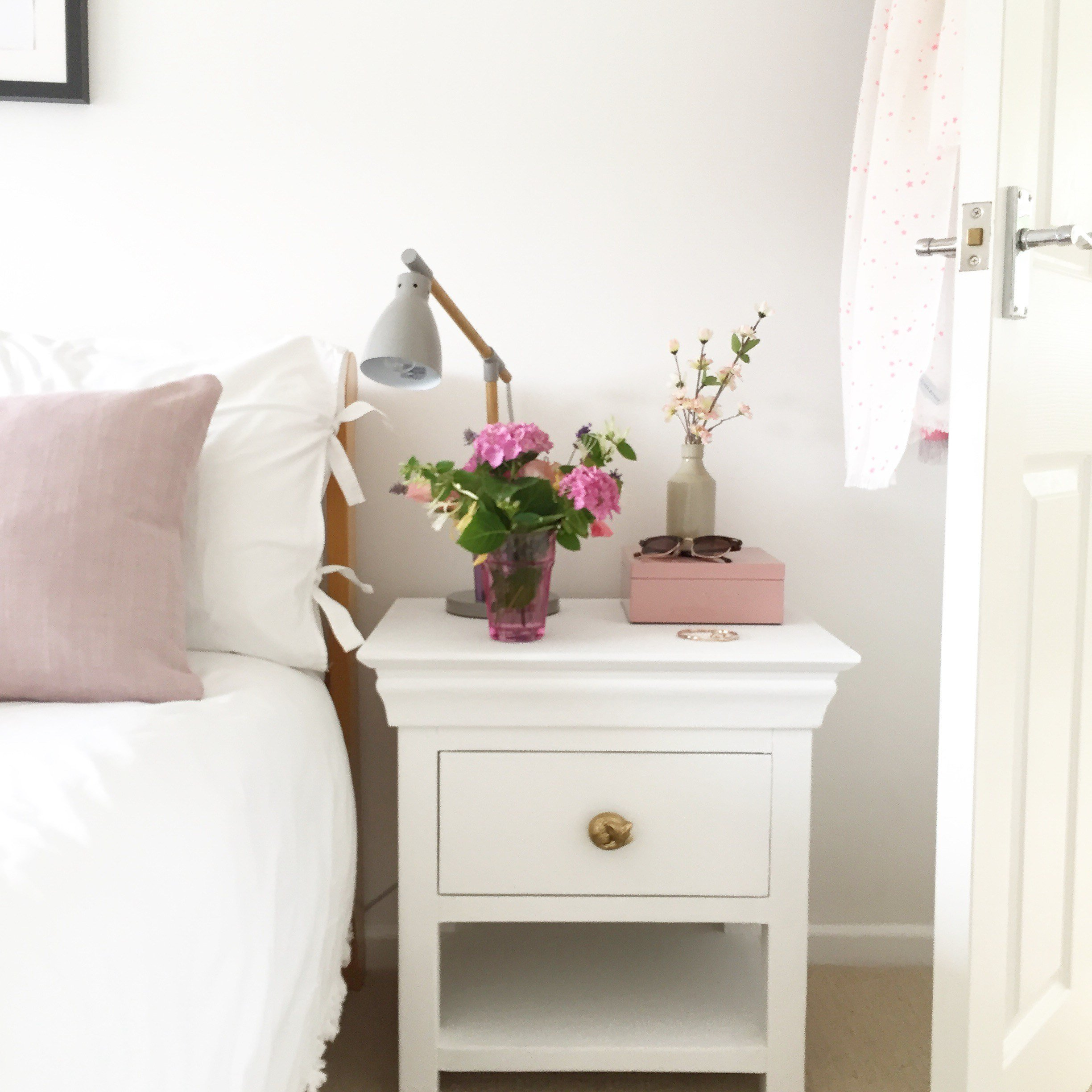 Best How To Upcycle A Bedside Table With Chalk Paint And New With Pictures