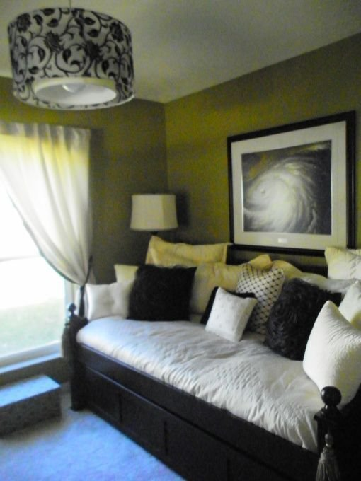 Best Guest Room Day Bed Home Is Where The Heart Is With Pictures