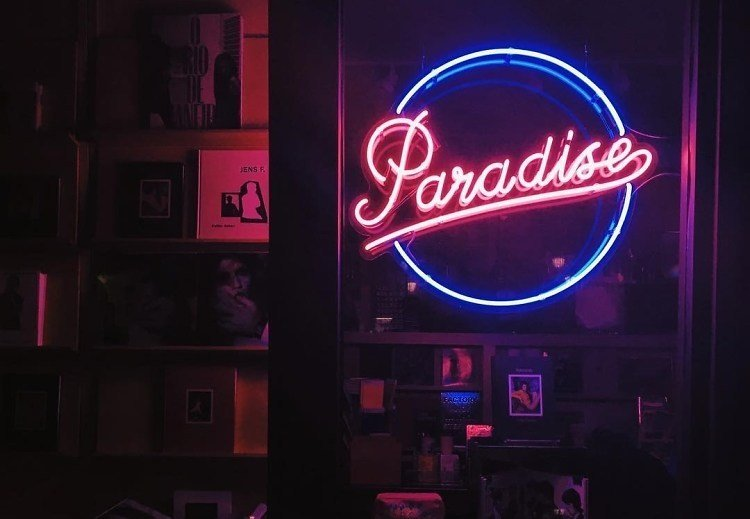 Best An Insta Worthy Scavenger Hunt Of Nyc S Best Neon Art Signs With Pictures