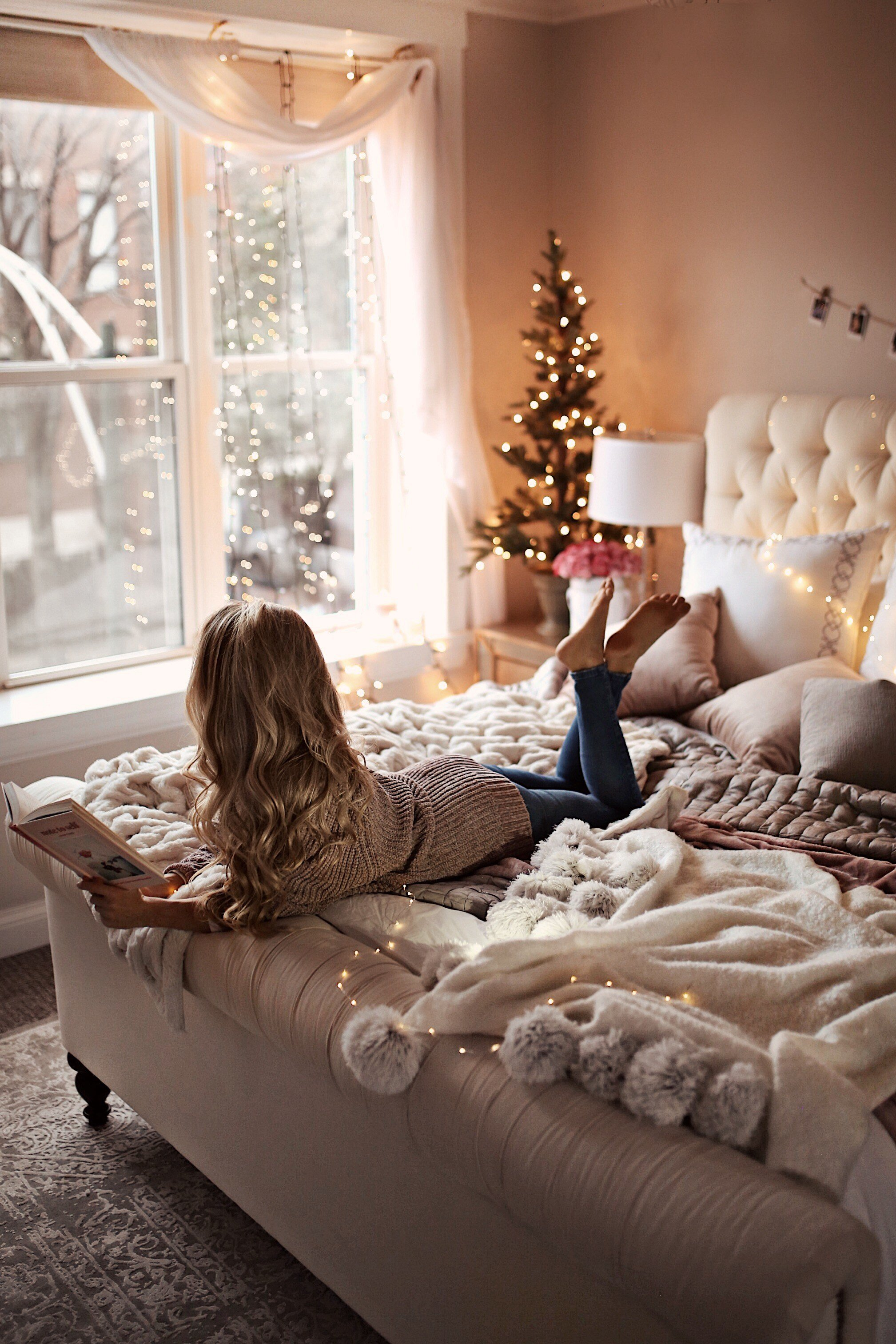 Best 7 Holiday Decor Ideas For Your Bedroom Welcome To Olivia Rink With Pictures