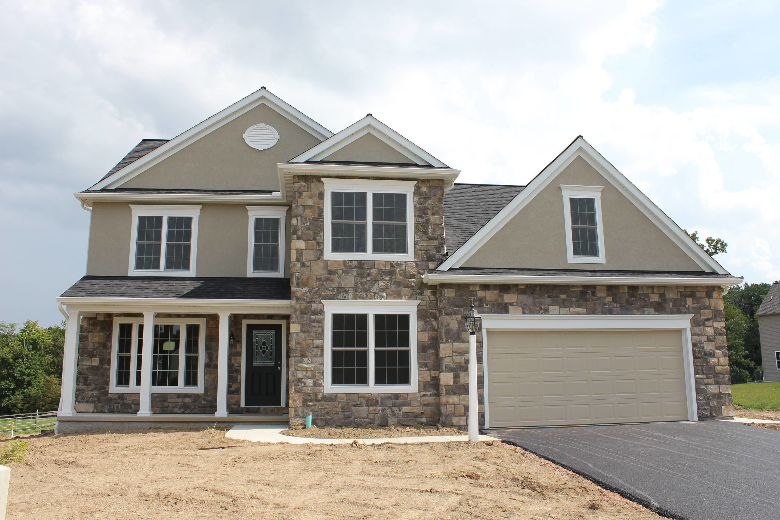 Best 5 Bedroom Single Family Home For Sale No York Schools With Pictures