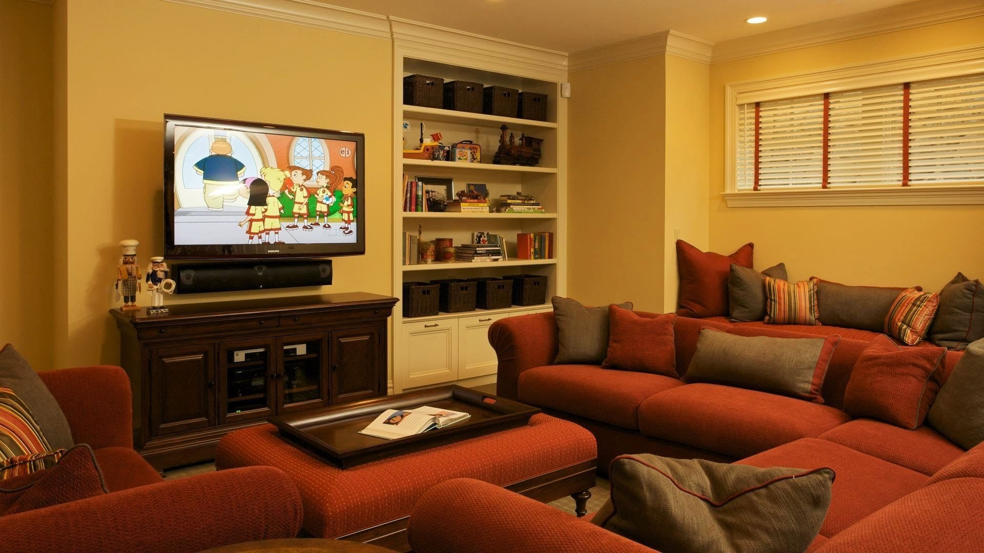 Best How To Arrange A Bedroom Make Small Look Bigger Pinterest With Pictures