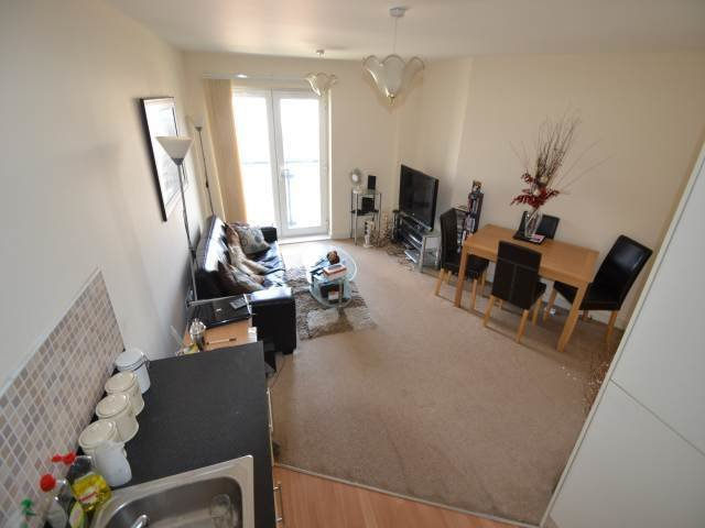 Best 1 Bedroom Flat To Rent In Overstone Court Cardiff Cf10 With Pictures Original 1024 x 768