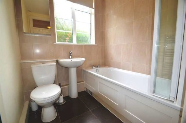 Best 2 Bedroom Apartment To Rent In Woodside London Sw19 With Pictures