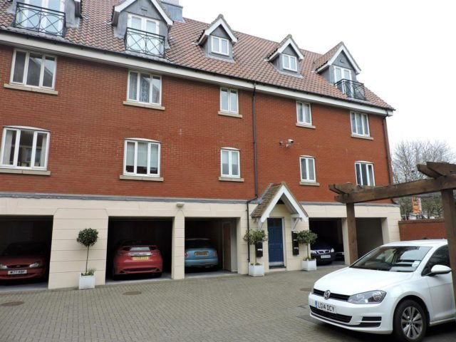 Best 1 Bedroom Flat For Sale In Neptune Square Ipswich Ip4 With Pictures