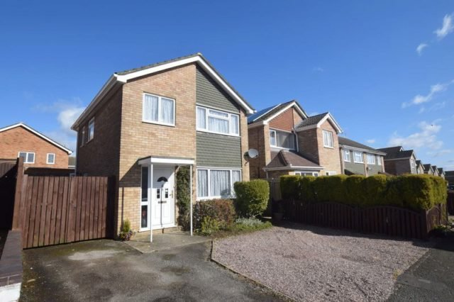 Best 3 Bedroom Detached House For Sale In Nene Drive Bletchley Milton Keynes Mk3 With Pictures