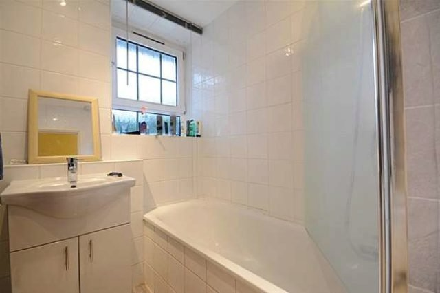 Best 1 Bedroom Flat To Rent In Purbrook Estate Tower Bridge With Pictures
