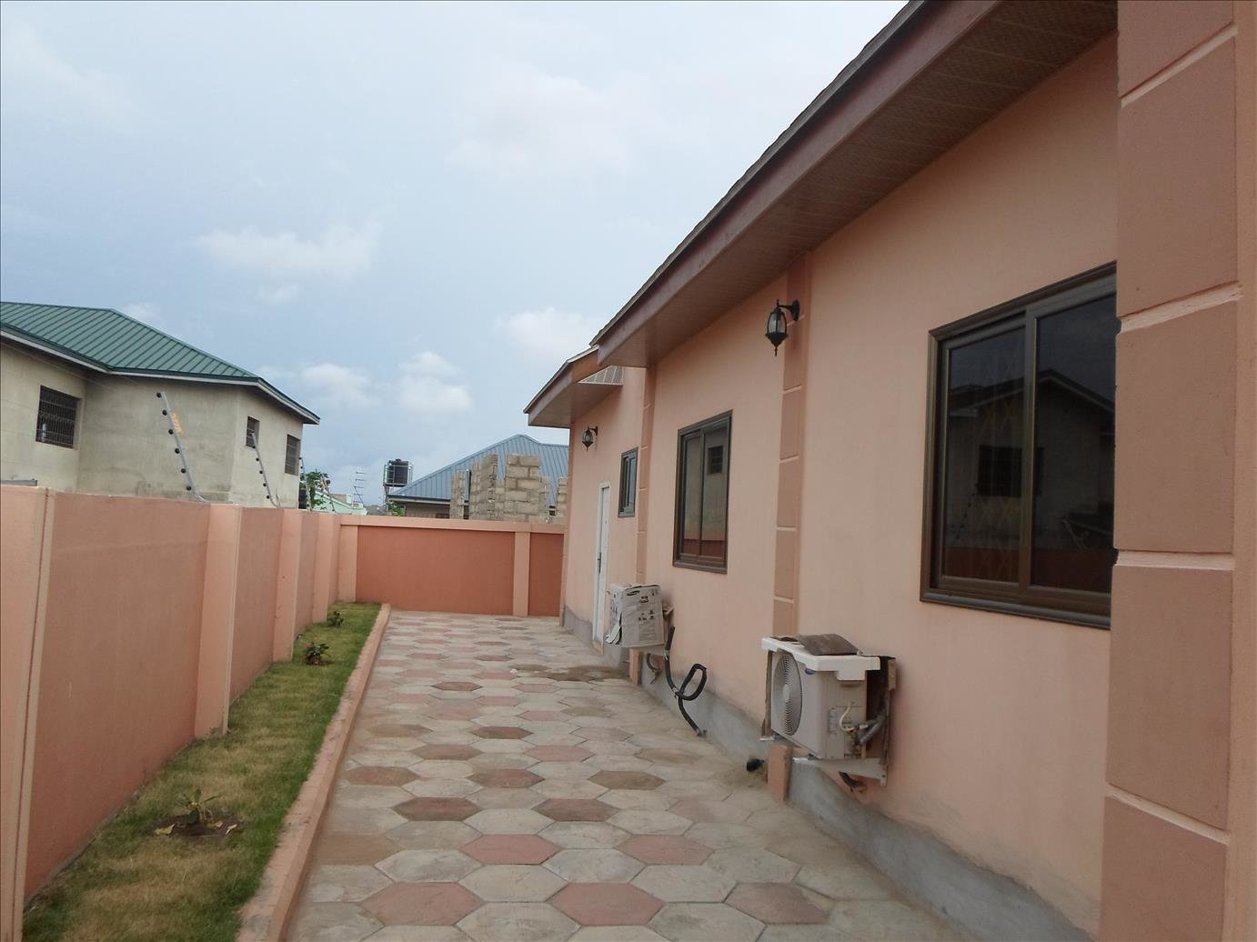 Best 4 Bedroom House To Let East Airport Sellrent Ghana With Pictures