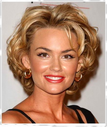 Free Cute Kelly Carlson Medium Hairstyles 2011 Gregory Wallpaper