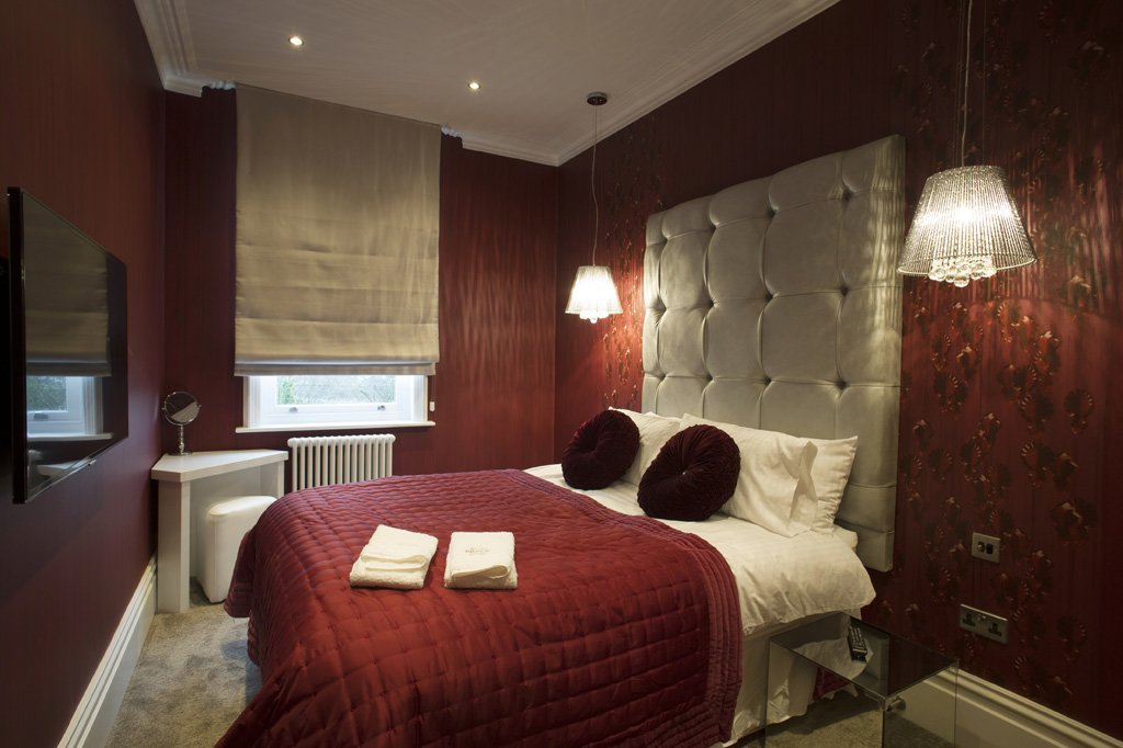 Best Room Makers Dark Red Silver Bedroom With Pictures