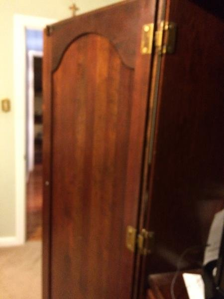 Best Armoire Door Won T Stay Open Doityourself Com Community With Pictures