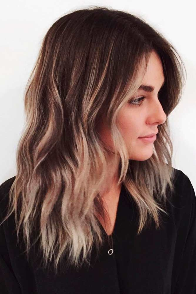 Free 30 Amazing Medium Hairstyles For Women 2019 Daily Mid Length Haircuts Wallpaper