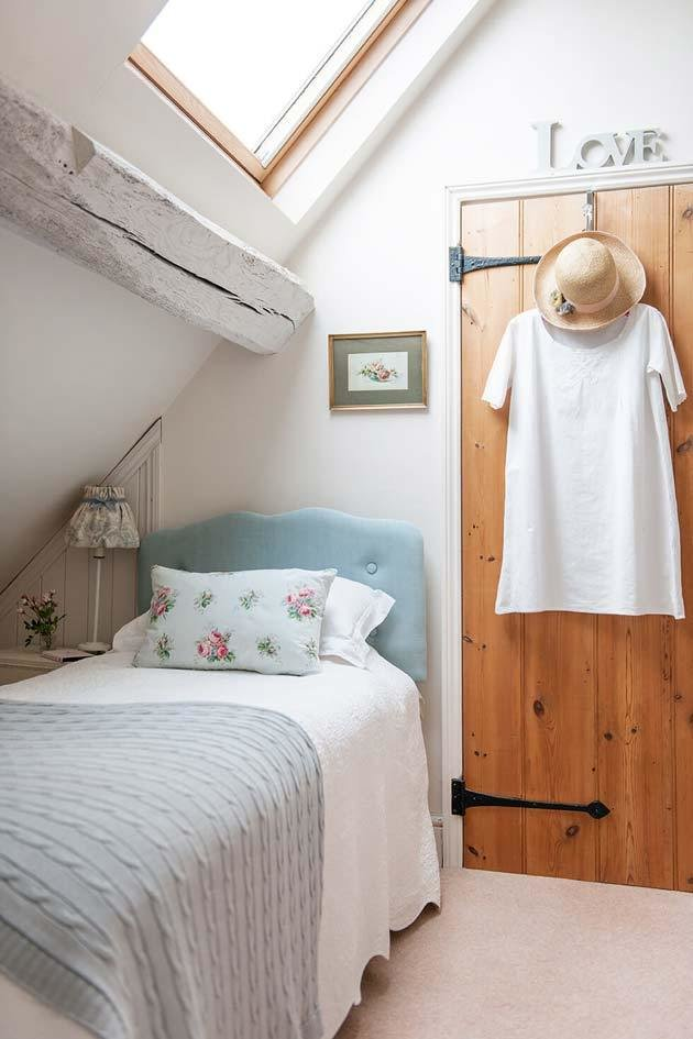 Best 31 Small Space Ideas To Maximize Your Tiny Bedroom With Pictures