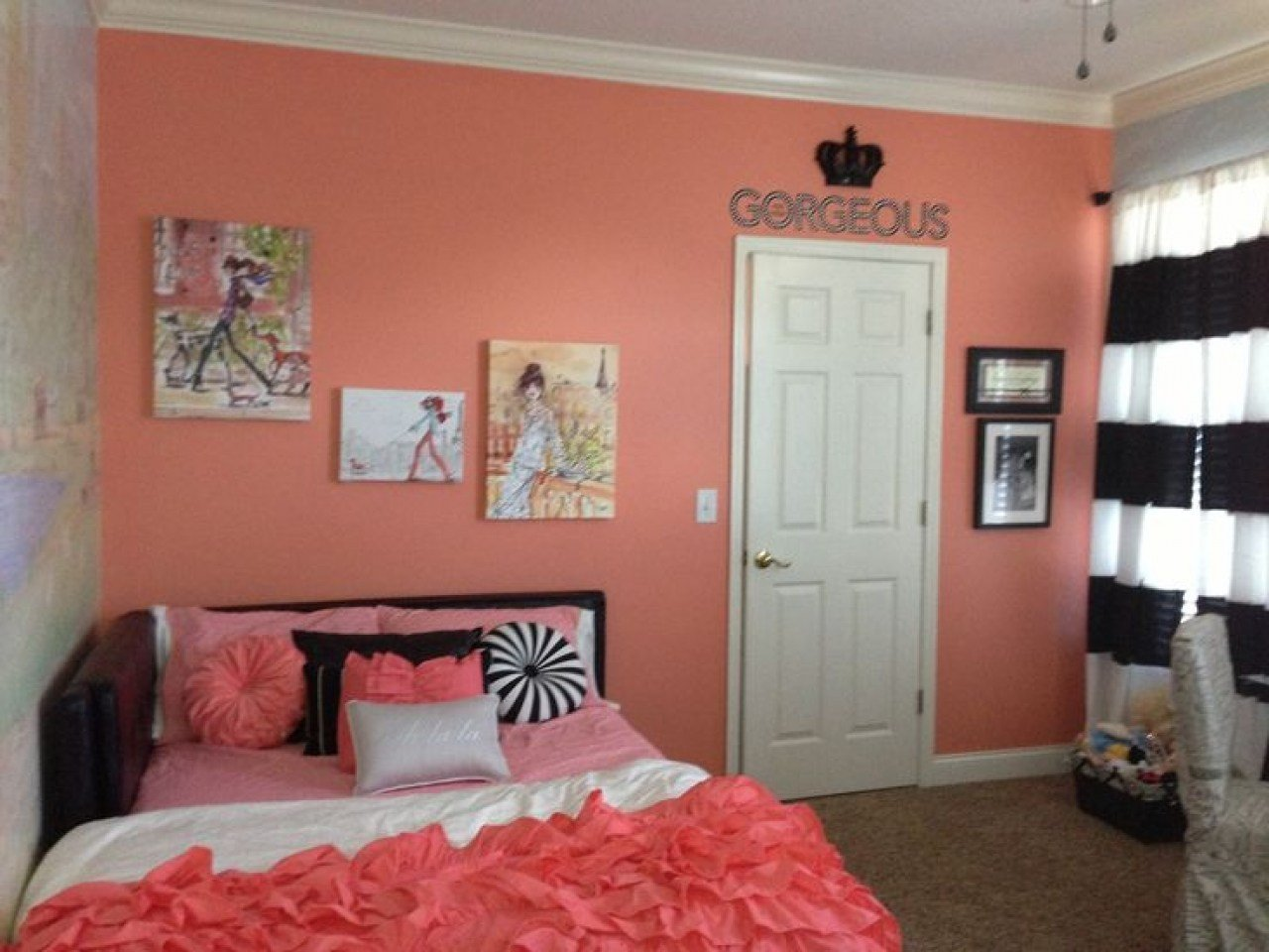 Best Coral Accent Wall Girls Bedroom Fashion Black And White With Pictures