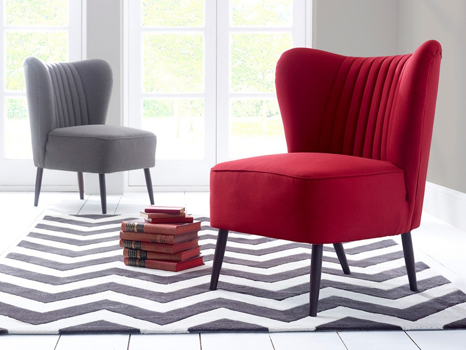 Best Accent Chairs To Complement Your Upholstered Bed With Pictures