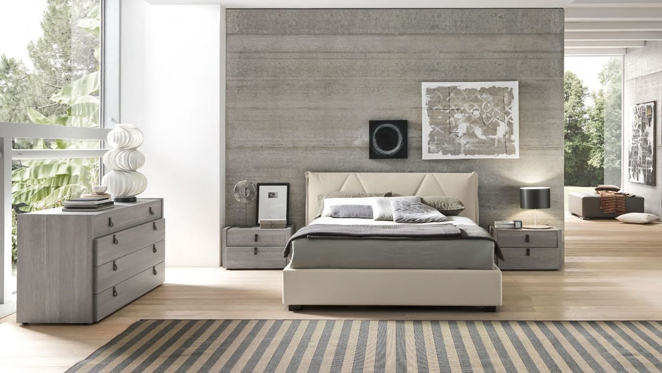 Best Made In Italy Leather Master Bedroom Design With Extra With Pictures